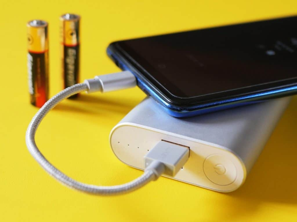 charging a smart phone