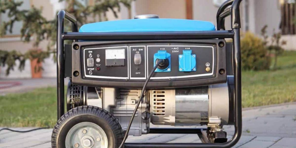 connect a generator to a house