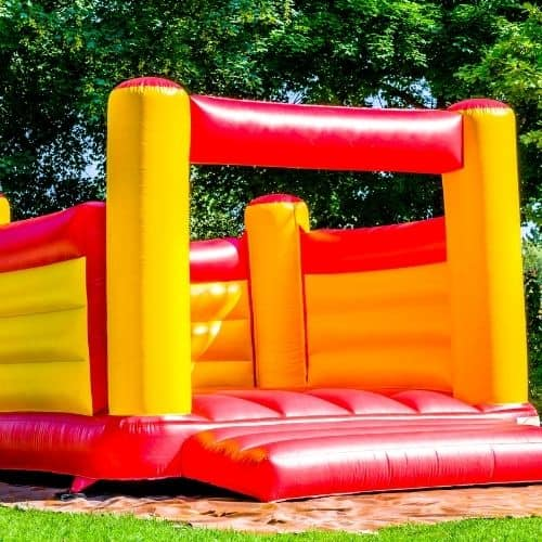 commercial size bouncy house